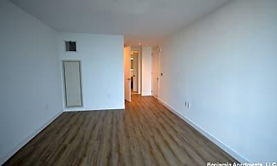 Living Room, 899 Congress St, 1