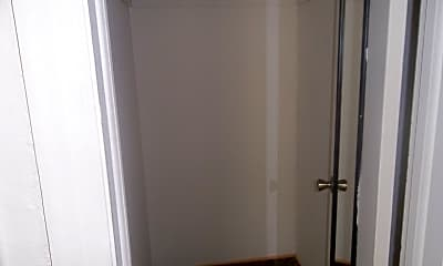 Bathroom, 118 W Miller Ave, 2