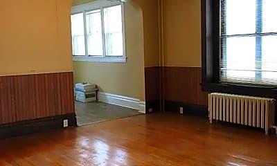 Living Room, 118 9th St S, 1
