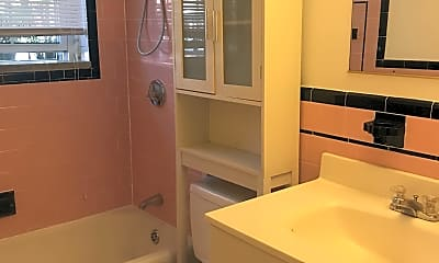 Bathroom, 4 Menotomy Rd, 2