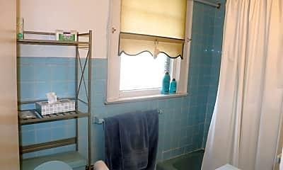 Bathroom, 59 Gibson Ave, 2