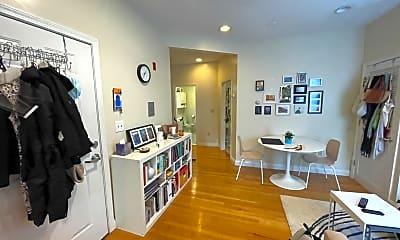 Living Room, 466 Green St, 1