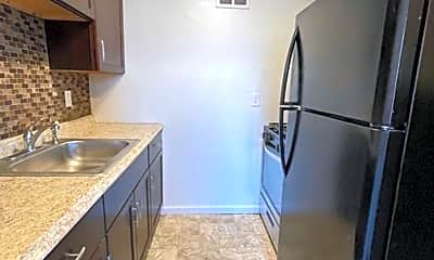 Kitchen, 5601 Dewey Ave, 0