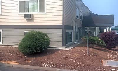 Americana Apartments, 0
