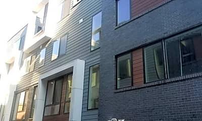 Building, 1647 E Eyre St, 2
