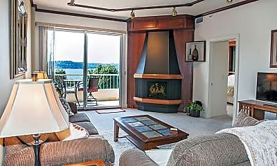 Living Room, 301 N 1st St, 1