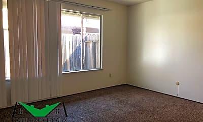 Living Room, 31 Oak Ave, 2