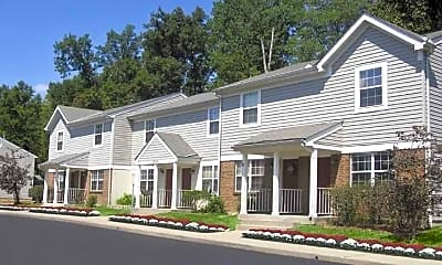 Building, Thomaston Woods Apartments, 0