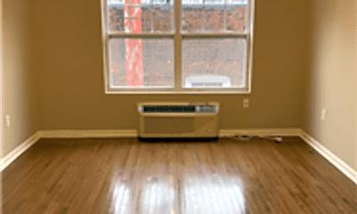 Living Room, 61 Park Ave, 2