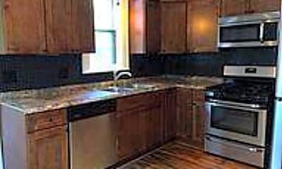 Kitchen, 130 W Lakeview Ave 132, 1