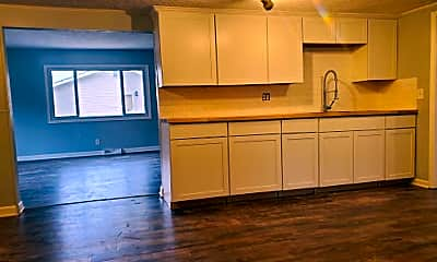 Kitchen, 34523 John St, 1