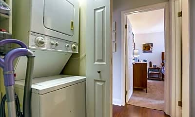 Kitchen, 4327 Swift Ave, 2