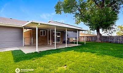 Building, 422 W 2125 N, 2