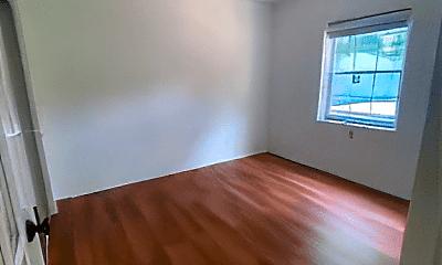Bedroom, 1510 Dewey St, 2