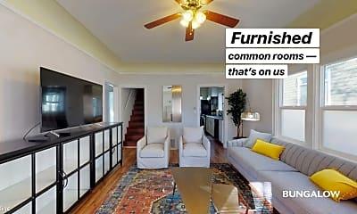 Living Room, 2808 E Spring St, 1