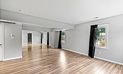 Living Room, 123 Eastlawn Dr, 1