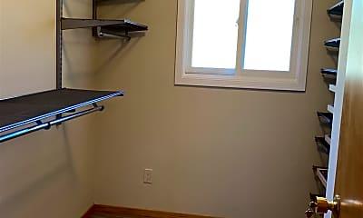 Bedroom, 4813 Meadowbrook Dr, 2