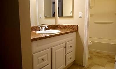 Bathroom, 7701 Yorktown Ave, 2