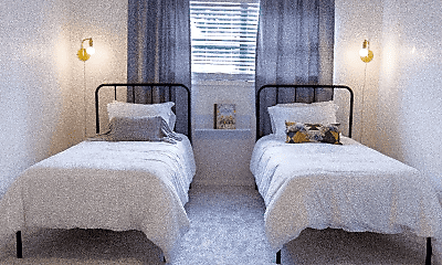 Bedroom, 2014 Columbus Ave, 2