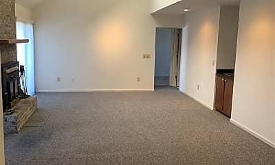 Living Room, 704 Gayle St, 2