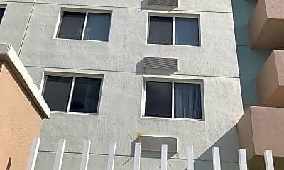 Vista Alegre Apartments, 2