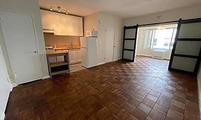 Living Room, 1727 Massachusetts Ave NW 714, 1