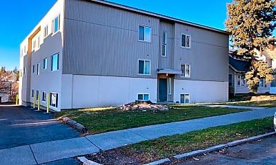 Building, 435 NE Kamiaken St, 1