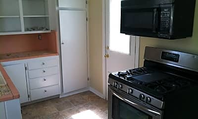 Kitchen, 833 Evangeline Pl, 1