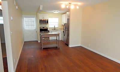 Living Room, 424 N Grandview Ave, 2