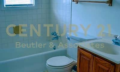 Bathroom, 6 S Oak St, 2