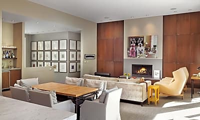 Dining Room, 323 W Francis St, 1