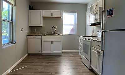 Kitchen, 1604 55th St, 1
