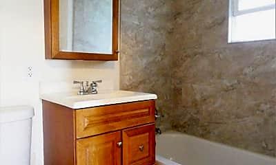 Bathroom, 422 N 31st St, 2