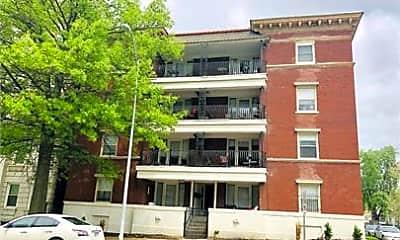 Building, 1114 E Armour Blvd, 2