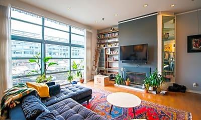 Living Room, 7 N Christopher Columbus Blvd 5 120, 0