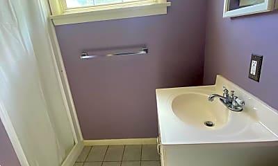 Bathroom, 804 Fawn St, 2