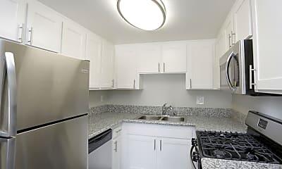 Kitchen, Campus Village, 0
