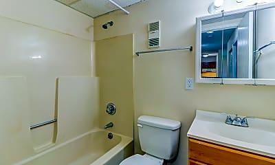 Bathroom, Towne Square Apartments, 2