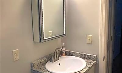Bathroom, 606 6th St, 2