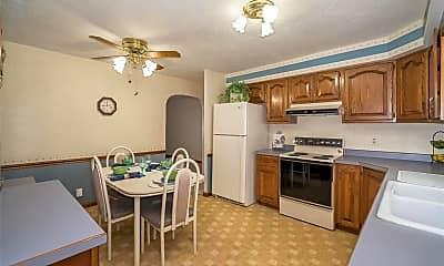 Kitchen, 1027 N Mill Dr, 1