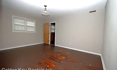 Living Room, 1212 E Elm St, 1