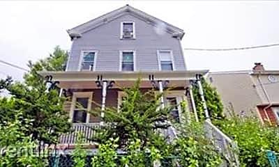 Building, 10 Savin Hill Ct, 2