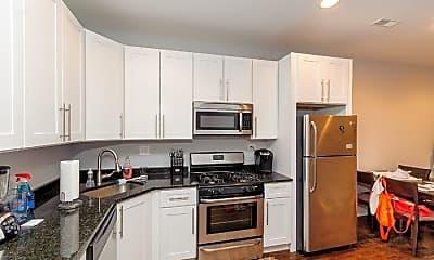 Kitchen, 1033 N Paulina St, 1