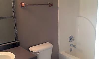 Bathroom, 178 Southwinds Rd, 2
