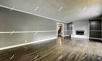 Living Room, 10825 Dundee Rd, 2