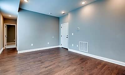 Living Room, 1002 W 38th St, 1