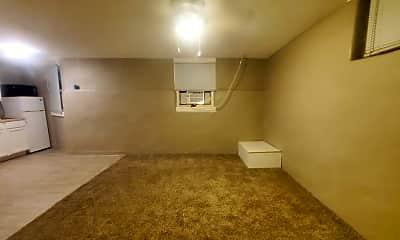 Living Room, 728 S 10th St, 1