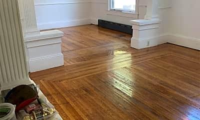 Living Room, 39 W 6th St, 2