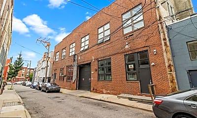 Building, 810 N Hancock St 2, 1