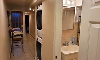 Bathroom, 1027 4th St NE, 2